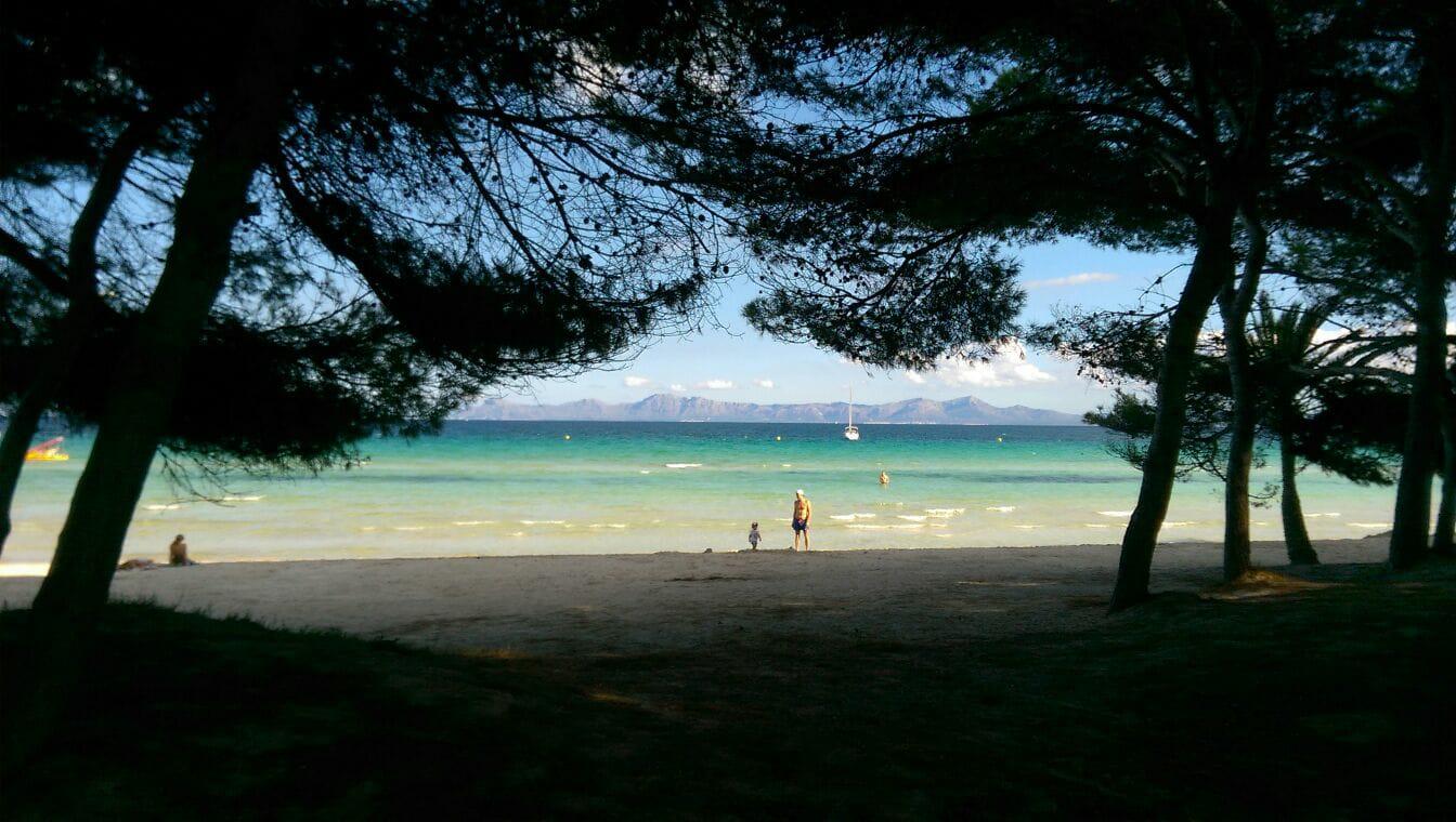 plaże na majorce jesienia