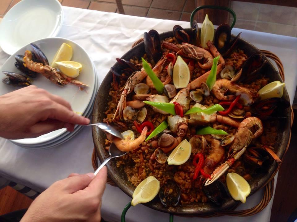 paella hiszpańskie dania