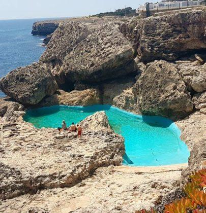 Niezwykły basen na Majorce ukryty wśród skał