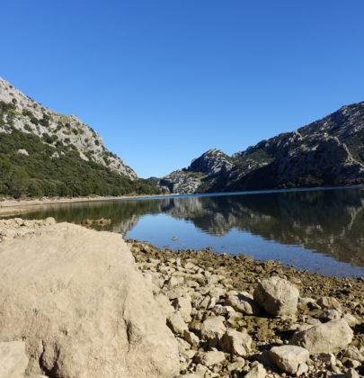 Jezioro i rezerwat Cuber – w sam raz dla miłośników przyrody i nie tylko