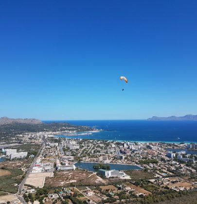 Paralotnia, czyli Majorka z lotu ptaka