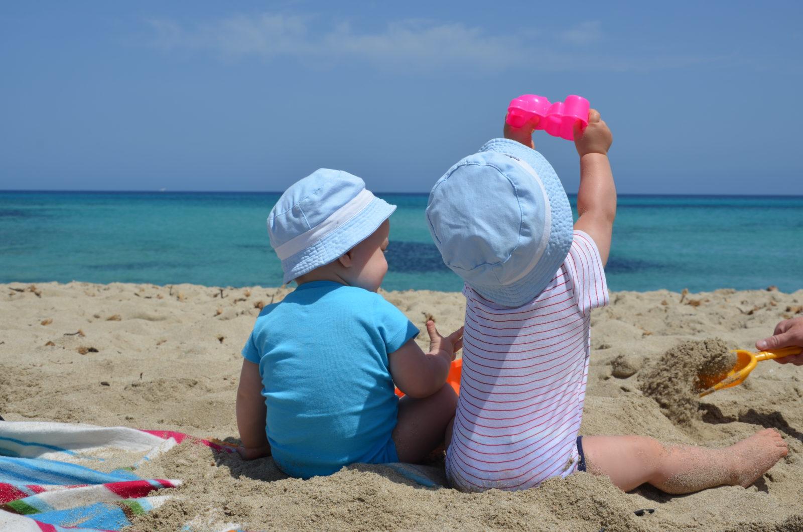 zabawki dla dzieci na plaży