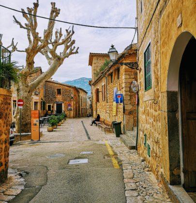 Biniaraix – wioska w dolinie pomarańczy