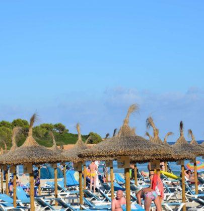 Sa Coma – plaża z palmami