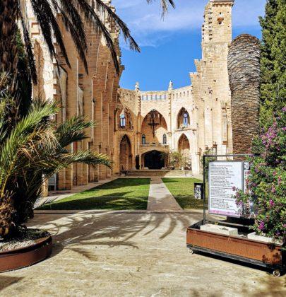 Nieukończony kościół na Majorce – Esglesia Nova